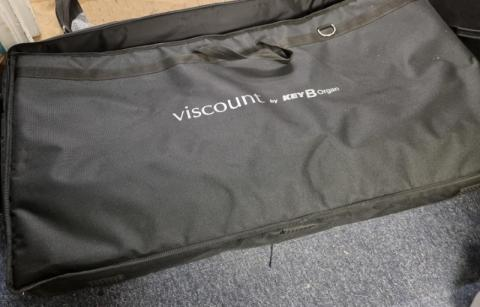 viscount_legend_with_bag_1